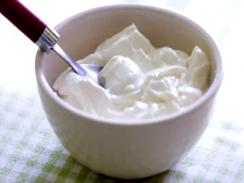 Yogurt: Type, health benefits, risk and make